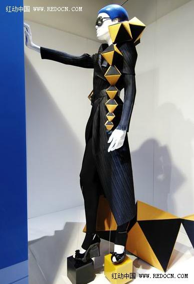 bradley时尚纸艺橱窗及服装设计作品