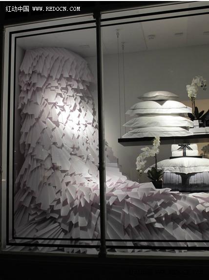纸魔术师zoe bradley时尚纸艺橱窗及服装设计作品