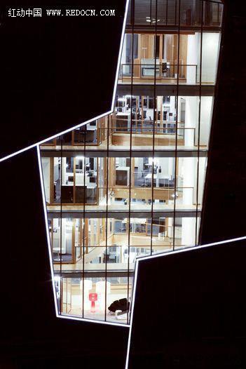 力荐精品--德国lunalicht 写字楼室内外灯光照明设计