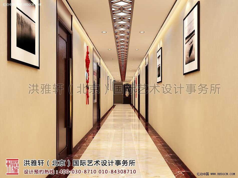 概述:天津办公室新古典中式装修,清宁舒适,古韵芬芳。本案承袭圈椅、博古架、格栅等沾染古意的红木家具的传统材质与色彩,进驻空间,可以强烈的感受浑厚的传统文化底蕴。而本案是一间办公室新古典装修案例,强调文化的同时,必定更要讲究舒适,所以设计师选择以不同比例的素雅色调来简化空间的厚重气息,灵性气韵的青花瓷器,无尘无染的水墨挂画,以及现代工艺的沙发,在浓厚的古典氛围之中增加了一份轻松的清宁舒适之感。