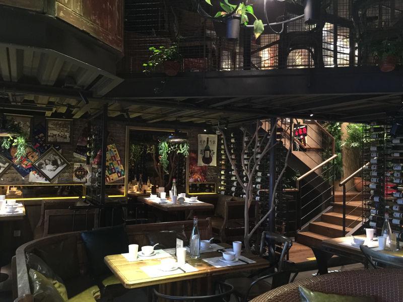 餐厅设计赏析---胡桃里音乐餐厅设计